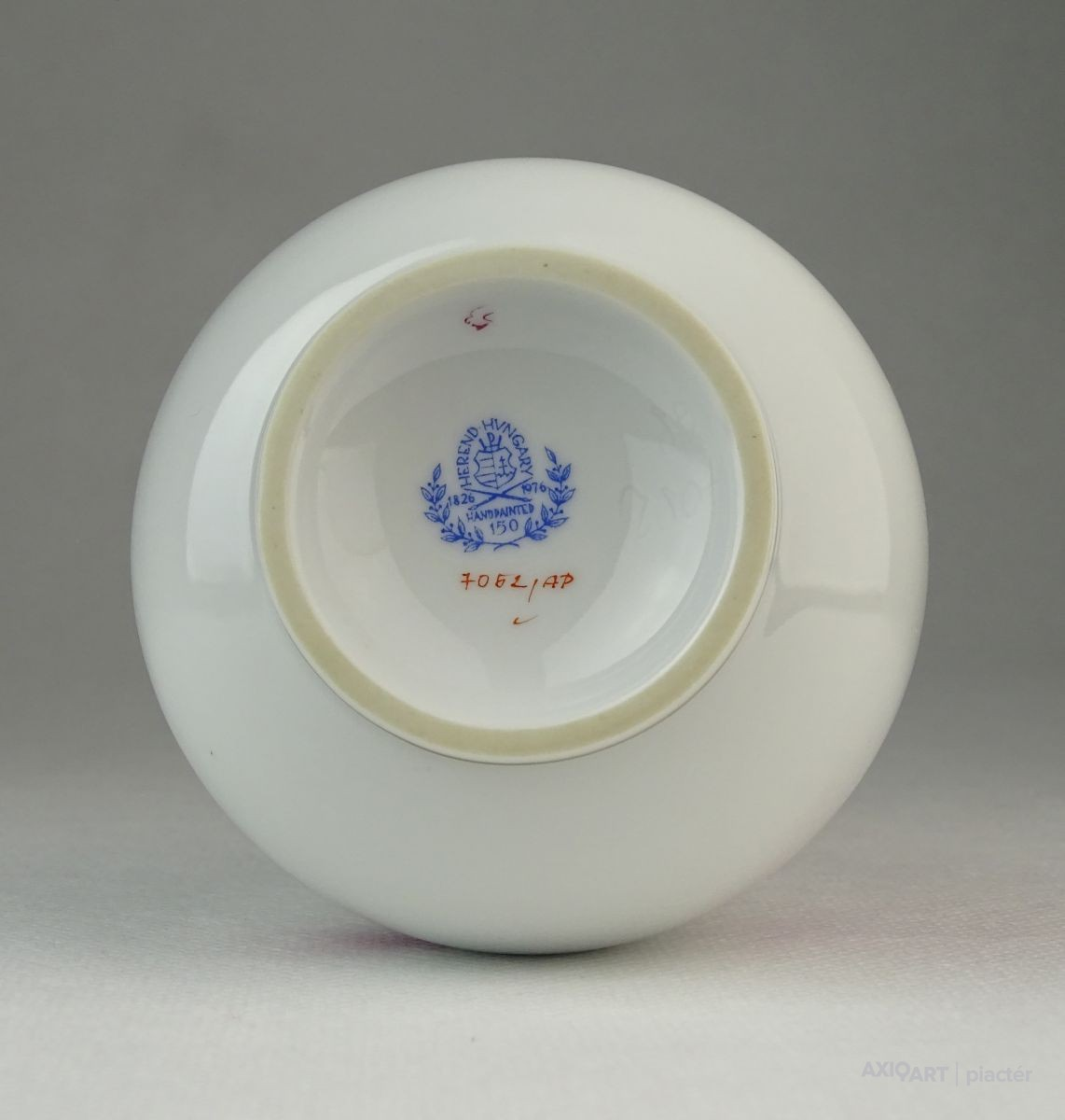 Lila Apponyi mintás Herendi porcelán váza. Previous  Next f4b4fae9ac