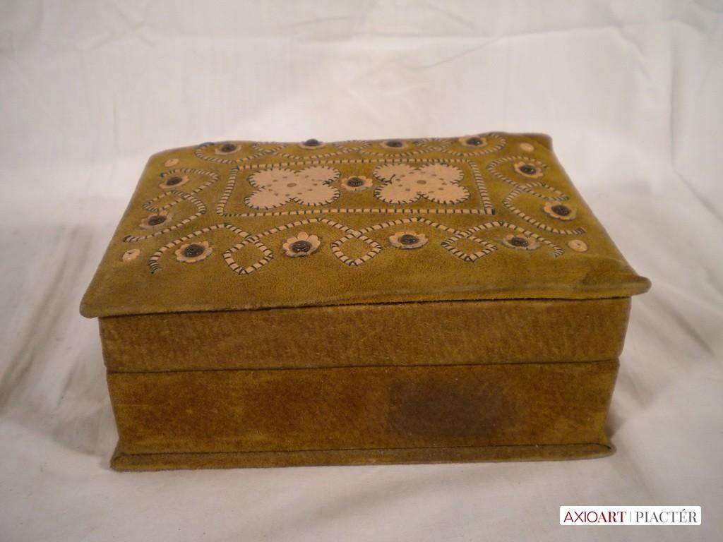 d916761591ad Régi bőr ékszertartó doboz