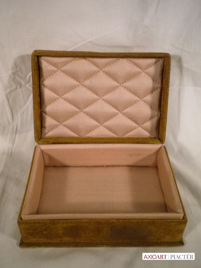 59d56190e7d0 Régi bőr ékszertartó doboz. Previous; Next